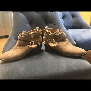 Suede zip back shoes